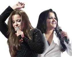 Maiara & Maraísa comemoram sucesso.